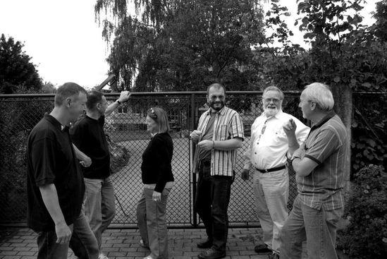 Mitglieder des SPD Ortsvereins Dielheim vor dem Kindergarten in Balzfeld